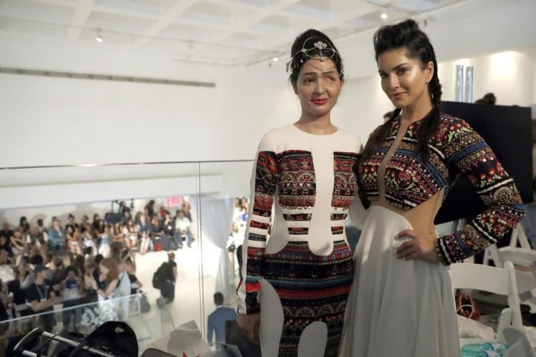 Reshma Bano with Sunny Leone