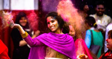 Top 5 Bhojpuri Holi Songs to Gear up Your Celebration of Colors