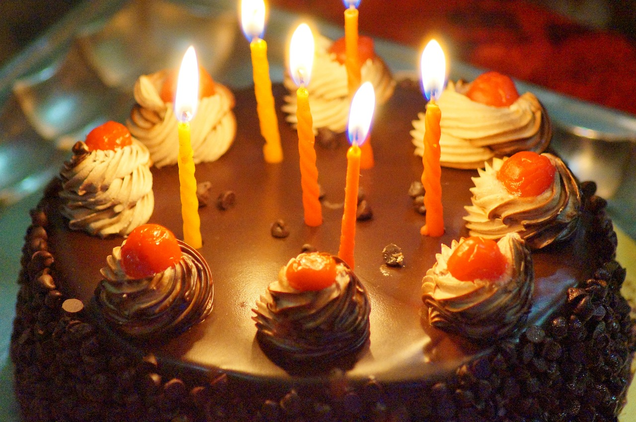 Points To Be Considered Before Selecting Online Cake Delivery Store