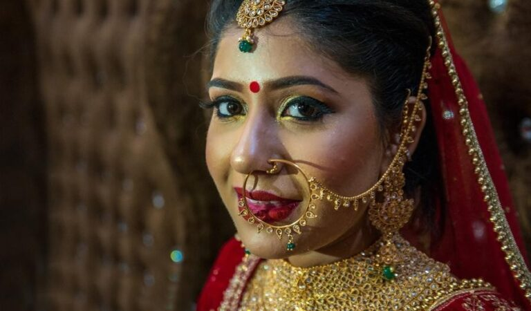 Buying jewellery for your wedding? Follow these tips to get the best value