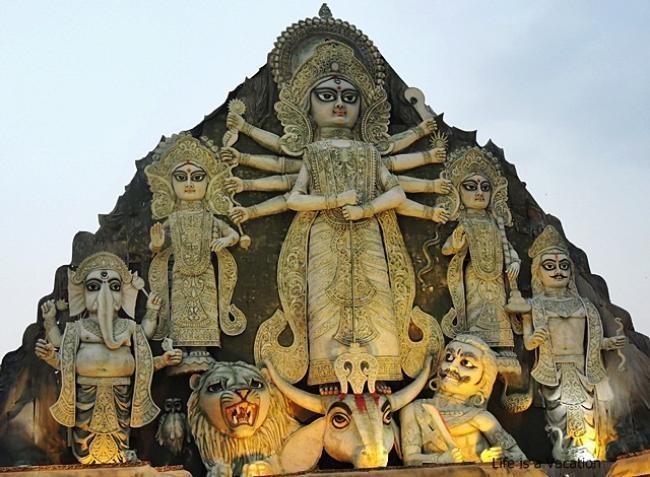 Deshapriya Park Durga Puja
