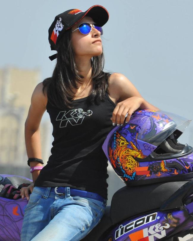 Anam Hashim Women Bikers in India