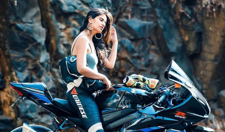 10 Beautiful Women Bikers in India