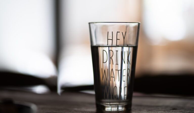 5 Healthy Reasons Why Drinking Water is Important