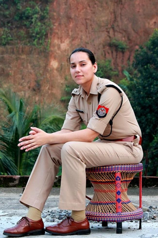 sanjukta parashar Beautiful IAS and IPS Officers